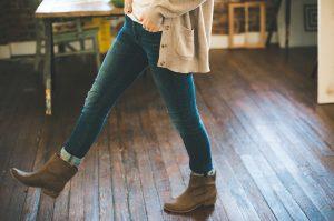 jeansowe trendy na wiosnę 2021
